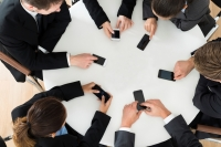 The Modern Rules to Smartphones use in Meetings