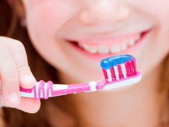 Choosing Toothpaste & Floss for Children