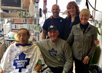 Former NHL player's visit brings 'great joy' to patient and his family