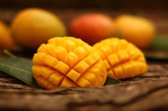 Mangos: Easy on the Eyes and Taste Buds