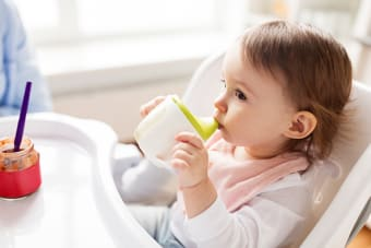 When to Ditch the Baby Bottle and Why