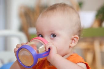 When to Stop Using the Baby Bottle and Why