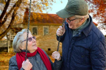 Signs Your Aging Parent Needs Help At Home