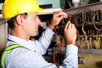 Industrial Electrical Troubleshooting: Fixes for 5 Common Problems