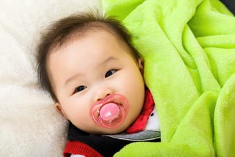 Can using a pacifier affect my baby's oral health?