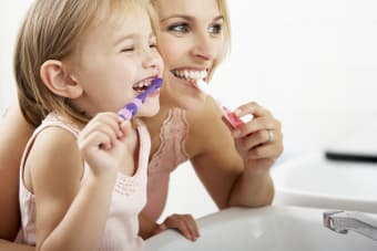 10 Dental Hygiene Tips for Healthy Teeth & Gums