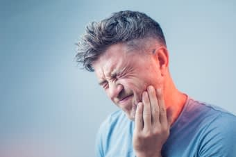 How to Deal with a Dental Emergency at Home