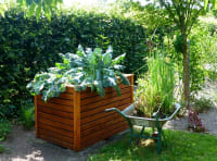 5 Helpful Tips to Maintaining a Garden Bed