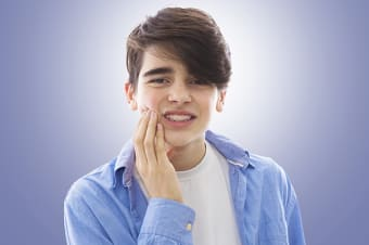 What is considered an orthodontic emergency?
