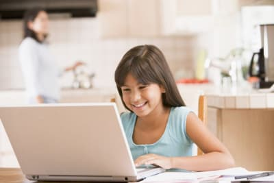 Why We Love Online Tutoring (And You Should Too!)