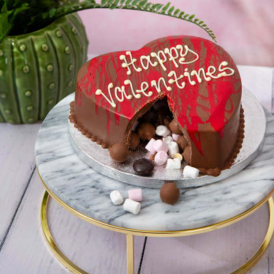 Get Your Child's Creativity Flowing with Valentine's Day Smash Cakes!