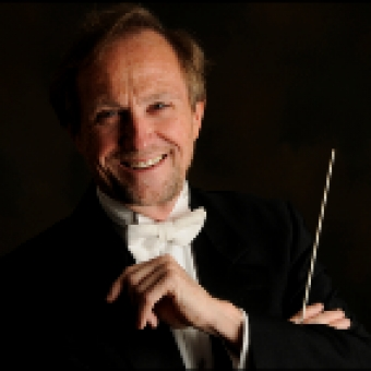 Robert Cooper Wins Choral Canada Distinguished Service Award