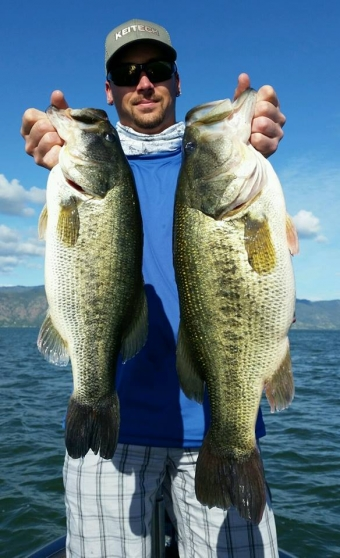 Chasing bass on Candlewood Lake with X Zone Pro Staff Dan Monroe
