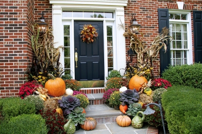 Celebrate Fall | Beautiful Autumn Planter Decor Ideas for Your Porch | Ottawa Gardening