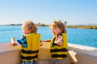 5 safe boating tips to remember when you hit the lake this summer